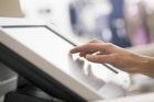 接客マナーの基本・応用を大公開。対応時のコツを掴むには | Smartlog