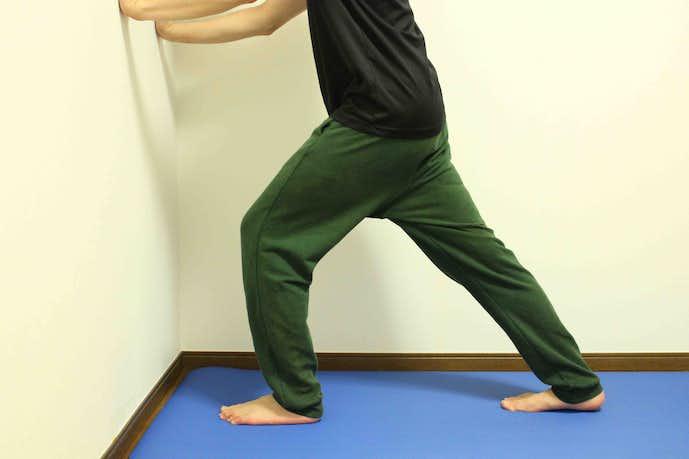 足首のストレッチ方法『アキレス腱伸ばし』