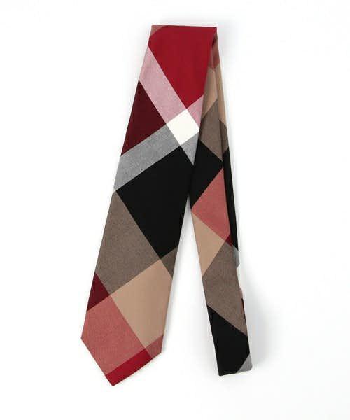 チェック柄のネクタイ