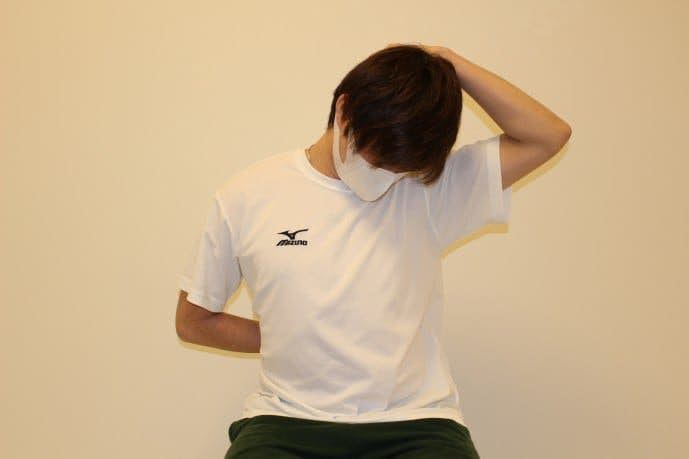 背中の効果的なストレッチ方法