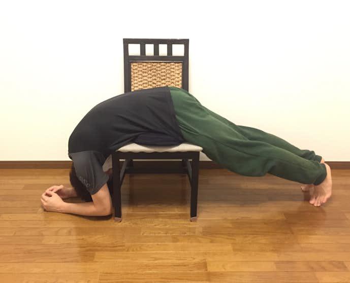 背中(脊柱起立筋)の効果的なストレッチ方法