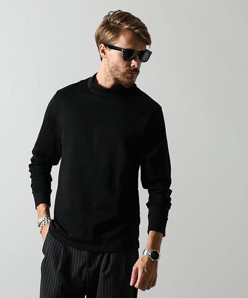 光沢感のある上品なTシャツ