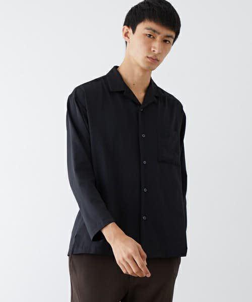 ビックシルエットのシャツ