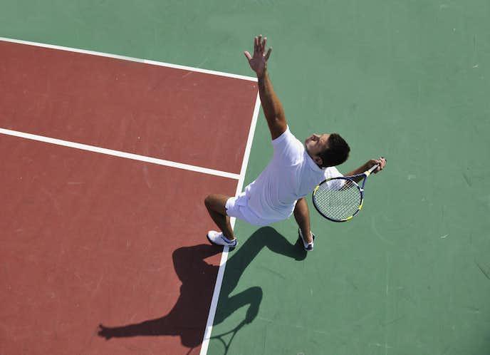 テニスのサーブで鍛えるべき筋肉