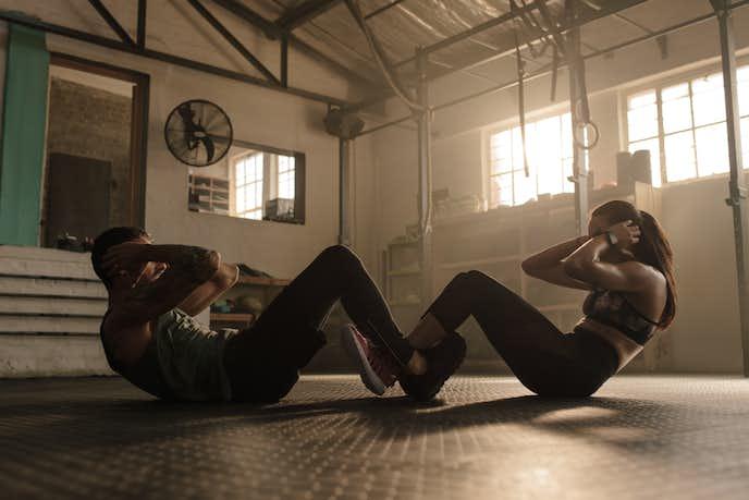 男性と女性で腹筋の鍛え方に違いはあるのか