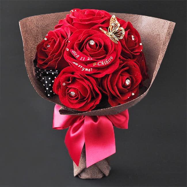 40代50代の奥さんへのクリスマスプレゼントはメリアルームの花束風メッセージフラワー赤バラ