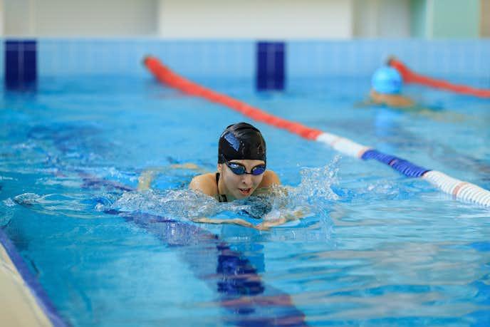 平泳ぎで効果的に痩せる方法