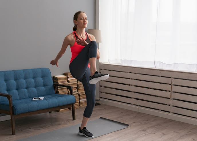 家で出来る有酸素運動8. 腿上げトレーニング