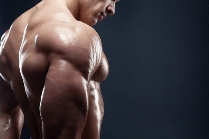 上腕三頭筋を鍛えられるディップスの効果的なやり方