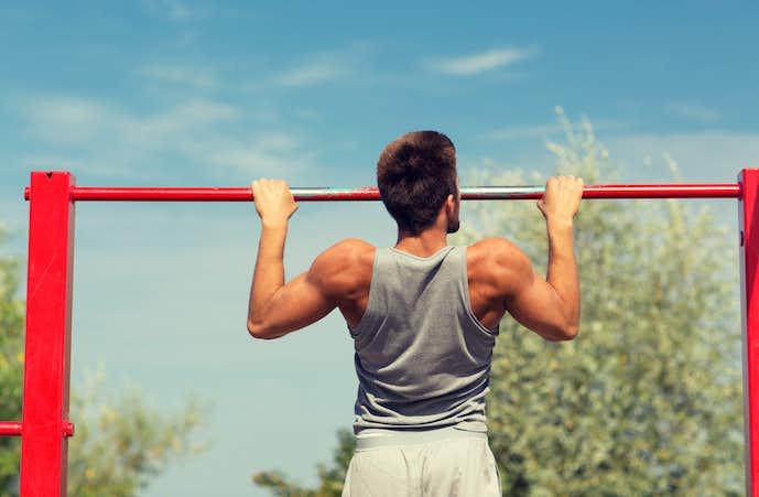 テニスで腕の筋肉を付ける懸垂