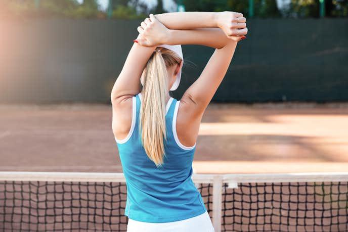 テニスに必要な部位の筋トレを行った後はストレッチが大切