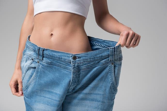 お腹を引き締めて下腹ぽっこりを解消するダイエット