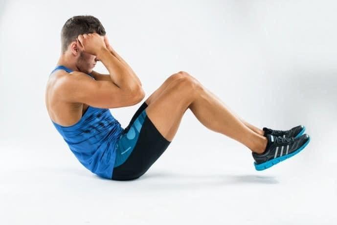 腹直筋を鍛えるタッククランチの効果的なやり方