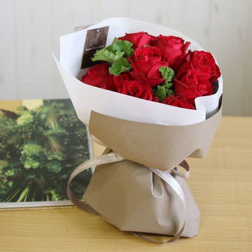 クリスマスプレゼントにおすすめの花束は青山フラワーマーケットのローズブーケ
