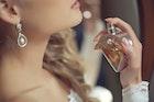 彼女への特別なクリスマスプレゼント。女性人気の高い香水11選   Divorcecertificate