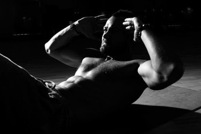 ドローイングを行うことで体幹を強くする