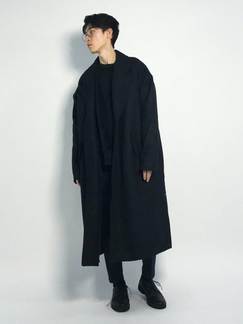 黒チェスターコートを使ったおしゃれブラックコーデ