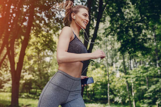 ジョギングで健康になる女性