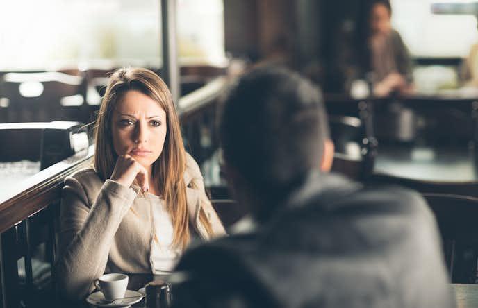 「彼氏がうざい」と思う瞬間は、仕事や友達の愚痴をダラダラと言う時