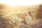 サブカル女子の外見と性格の特徴集│サブカル系がモテる理由を大公開! | Smartlog