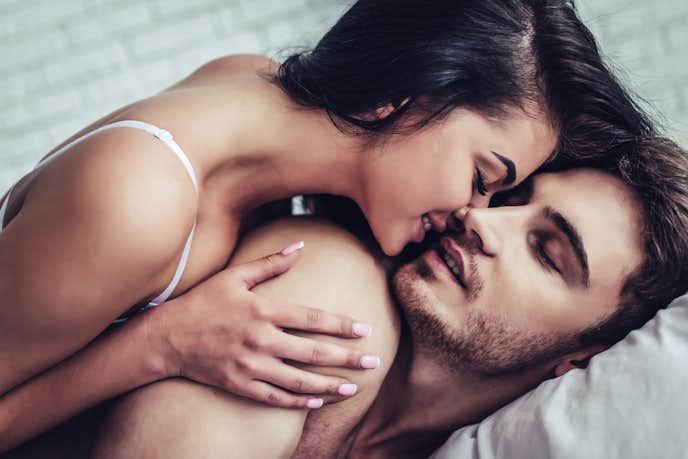 チューしたい気持ちを上手に彼氏に伝える方法で、夜の営みのタイミングで伝える