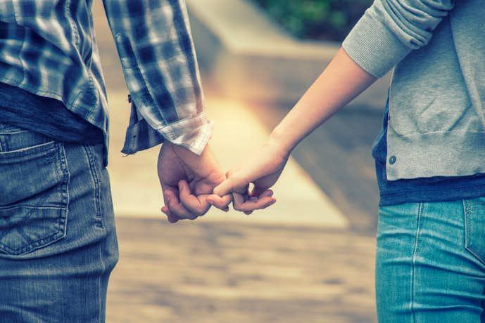 彼氏が彼女にキスしたいと思う瞬間は、別れ際のさみしい時