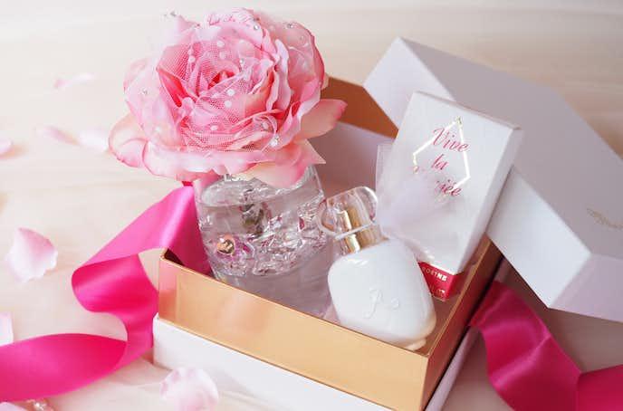 ホワイトデーの雑貨小物プレゼントはフレグランスローズ