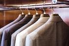 スーツのクリーニング費用と日数目安。長持ちする毎日のお手入れとは | Smartlog