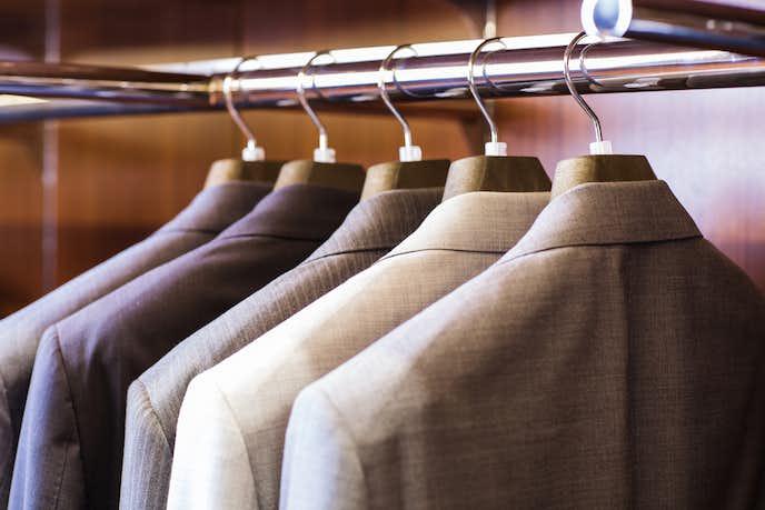 スーツクリーニングの日数やスーツのお手入れ方法