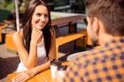 初対面の人と会話が弾む5つのコツ。相手に自分の印象を残す方法とは | Smartlog