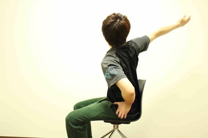 肩甲下筋の効果的なストレッチメニュー2