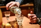 ウォッカの人気おすすめ銘柄15選。お酒初心者にも分かる選び方のコツまで解説! | Divorcecertificate