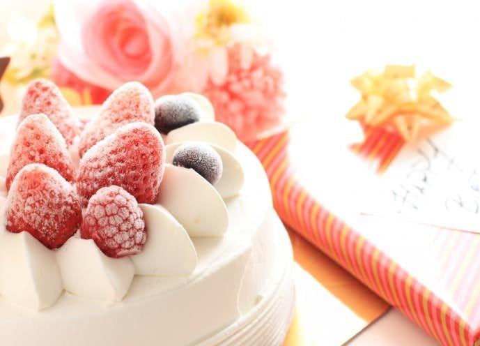 母の日のプレゼントにケーキの贈り物を.jpg