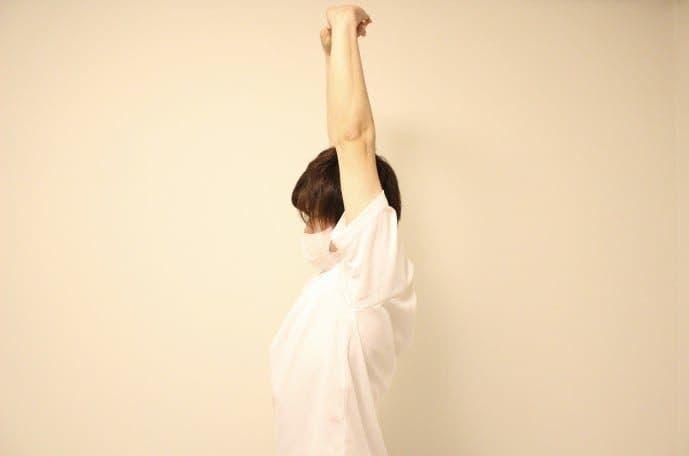 腹筋と腰の筋肉を伸ばせるストレッチメニュー