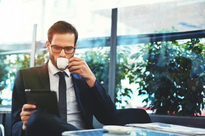 謙虚な男ほど、仕事も恋愛も上手くいく。