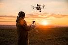 【2018】ドローンのおすすめ16選。初心者でも空撮できる人気機種とは | Smartlog