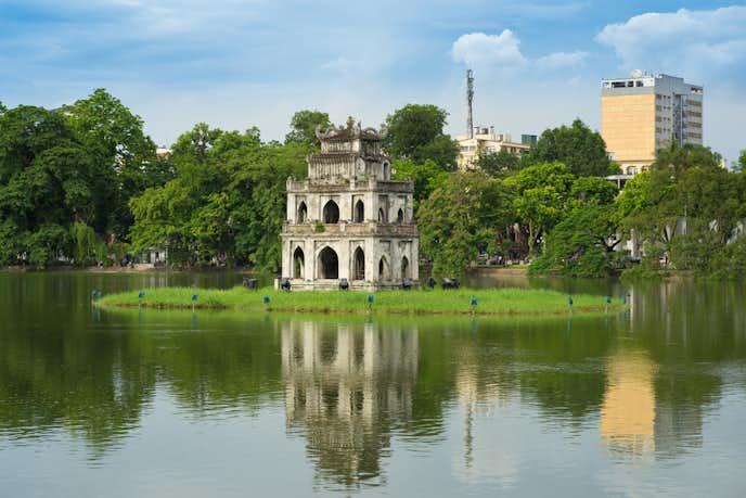 ベトナム・ハノイの人気観光地「ホアンキエム湖」