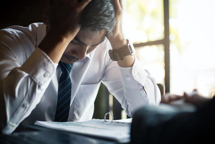 仕事でストレスを感じる理由や原因