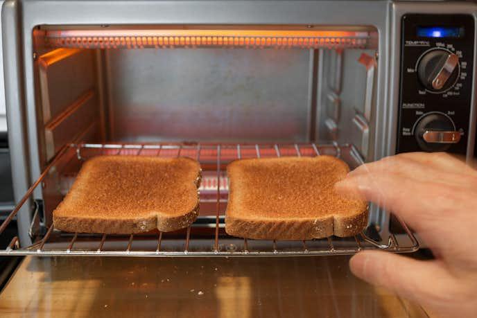 トースターは主に2種類に分けられる.jpg