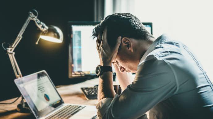 仕事でストレスを感じる原因&理由