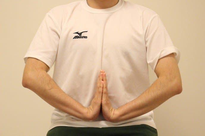 前腕筋の手首ストレッチ