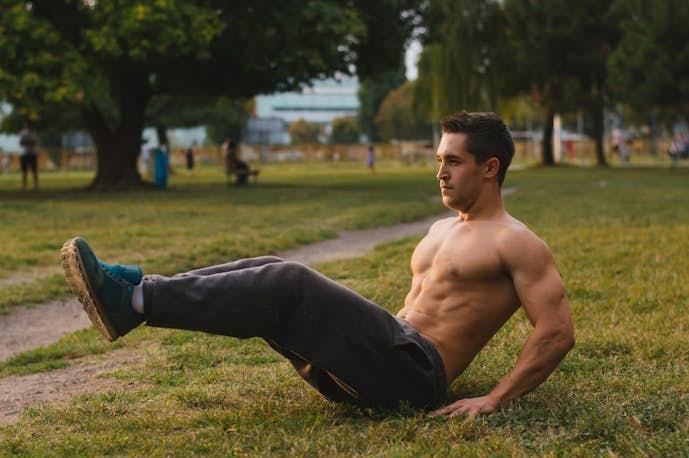 超腰筋と太ももを鍛えられる筋トレ「レッグレイズ」