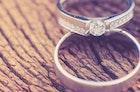 結婚指輪の値段相場とは?20代・30代・40代の二人に必要な費用を解説 | Smartlog