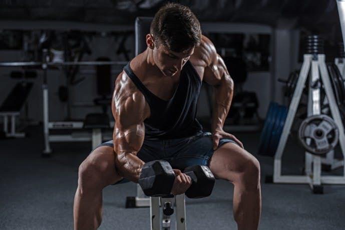 前腕筋の効果的なトレーニング「リストカール」