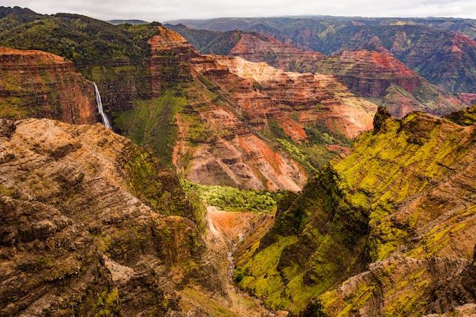 ハワイ・カウアイ島のおすすめ観光スポット「ワイメアキャニオン」