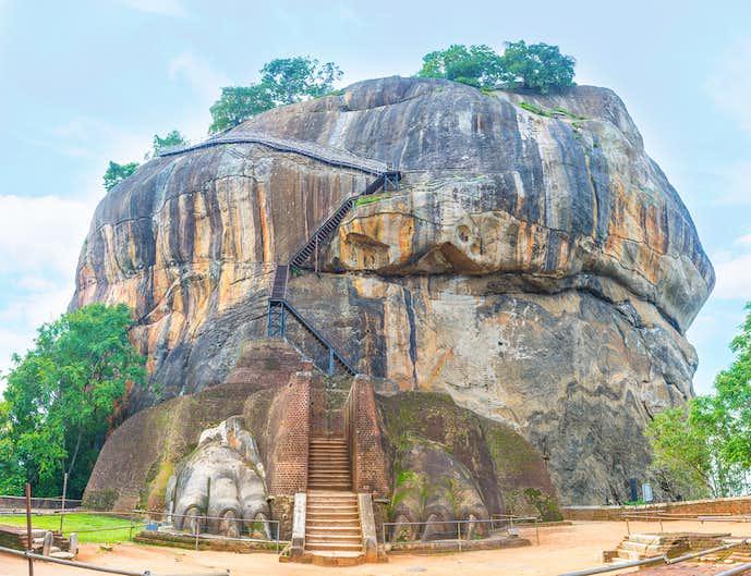 スリランカのおすすめ観光地「シギリヤロック」