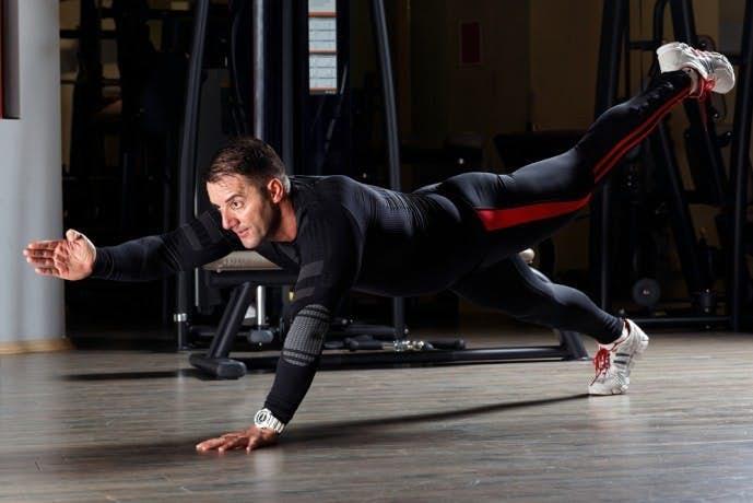 自重で行える効果的な体幹トレーニング15.jpg