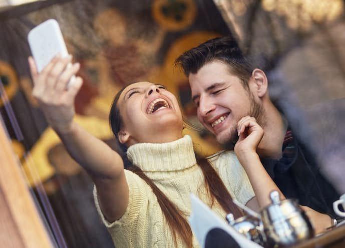 かって くる 女性 から 男性なら知っておくべき! 一緒に飲んだ女性がコッソリ見せる「2軒目に誘って…」のサイン9選