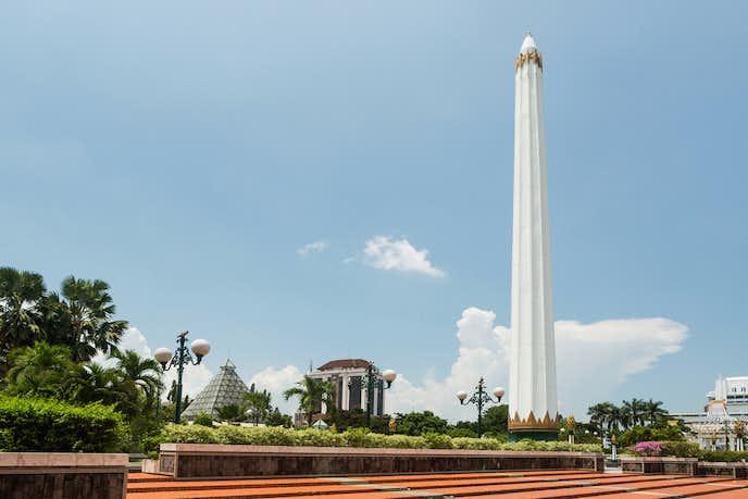 インドネシアでおすすめの観光地は英雄記念碑