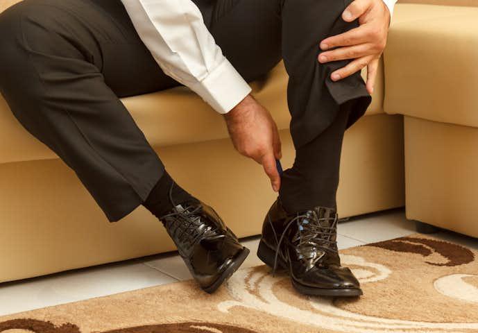 携帯用靴べらでいつでも靴を守る.jpg